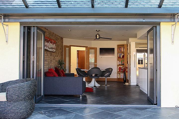 aluminium multifolding doors oxfordshire