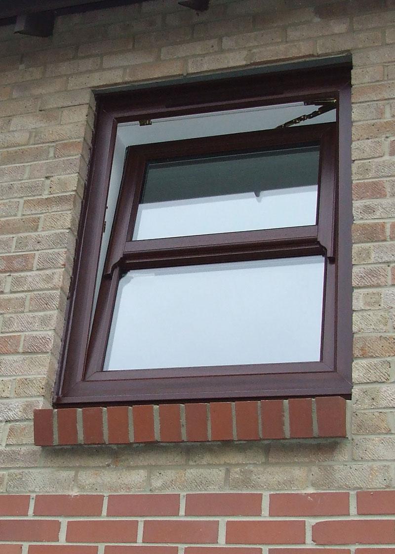 runthru horn window leicestershire
