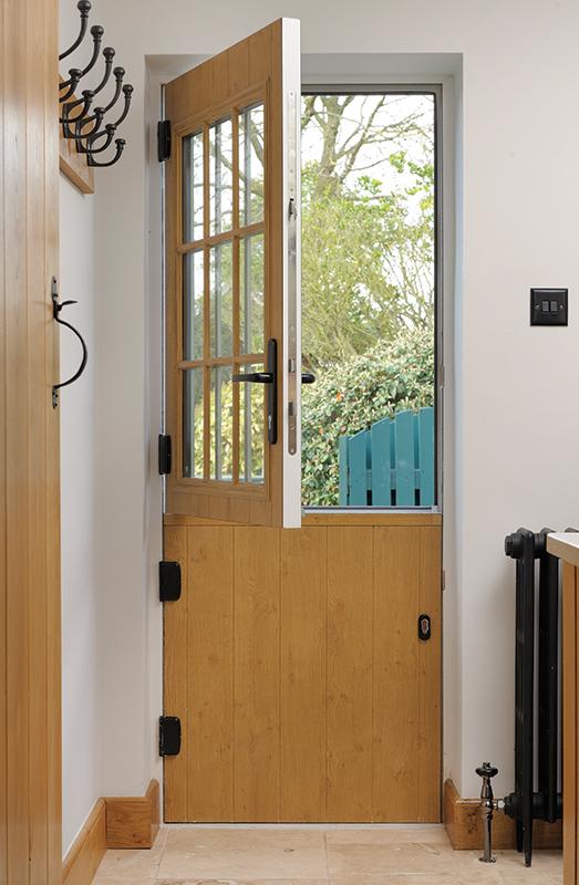 golden oak stable door corby