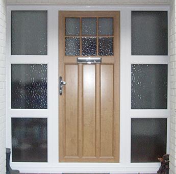 Irish Oak Door with White Combination Side Panels